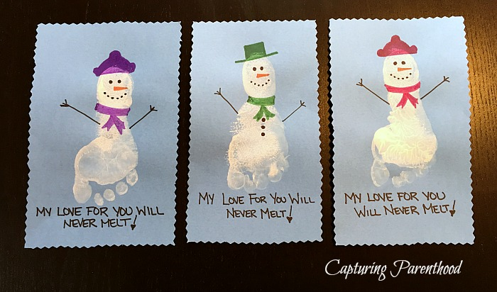 Toddler Christmas Crafts © Capturing Parenthood