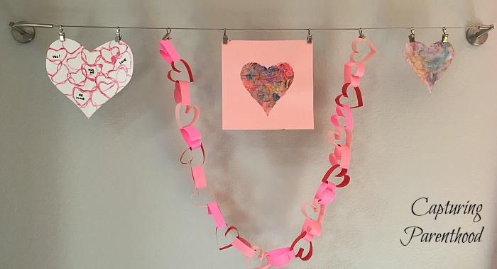 Valentine's Day Heart Garland © Capturing Parenthood
