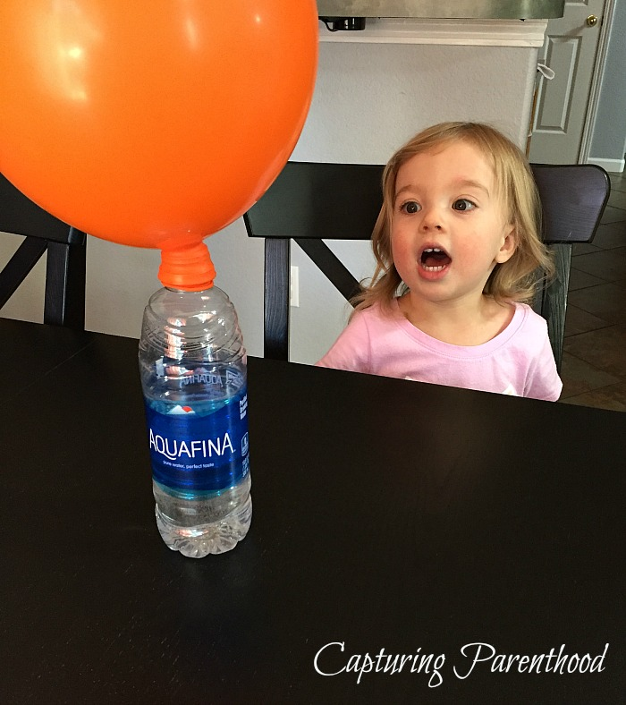 Baking Soda & Vinegar Balloon Experiment © Capturing Parenthood